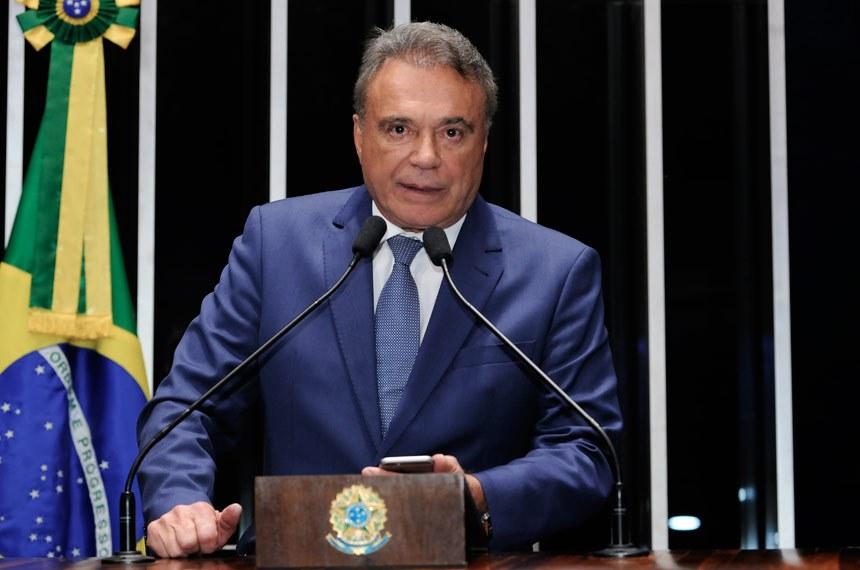 Plenário do Senado durante sessão não deliberativa.  Em discurso, senador Alvaro Dias (PV-PR).  Foto: Waldemir Barreto/Agência Senado