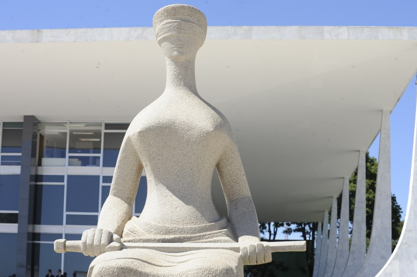 Est�tua da Justi�a, escultura que fica em frente ao Plen�rio do Supremo Tribunal Federal (STF), na Pra�a dos Tr�s Poderes, Bras�lia, DF.