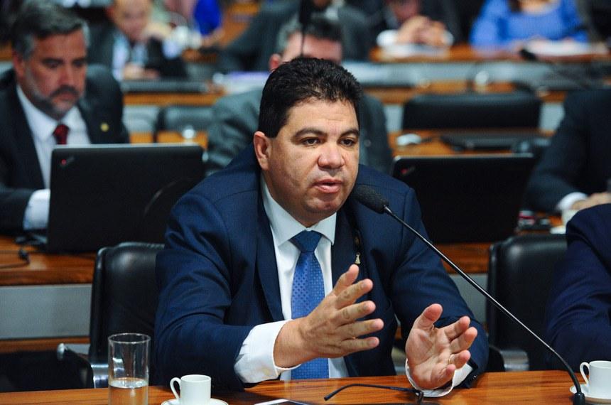 Comissão Parlamentar Mista de Inquérito das empresas JBS e J&F (CPMI da JBS) realiza reunião para instalação e eleição de presidente e vice-presidente.  Em pronunciamento, senador Cidinho Santos (PR-MT).  Foto: Marcos Oliveira/Agência Senado