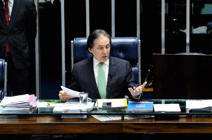 Plenário do Senado Federal durante sessão deliberativa ordinária. Em pronunciamento, à mesa, presidente do Senado, senador Eunício Oliveira (PMDB-CE).Foto: Marcos Oliveira/Agência Senado