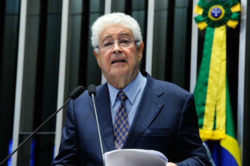 Plenário do Senado Federal durante sessão deliberativa ordinária.   Em pronunciamento, senador Roberto Requião (PMDB-PR).  Foto: Moreira Mariz/Agência Senado