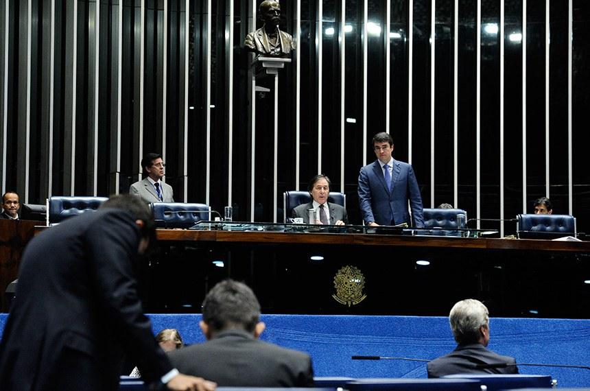 Plenário do Senado Federal durante sessão deliberativa extraordinária. Ordem do dia.  Mesa: presidente do Senado, senador Eunício Oliveira (PMDB-CE).  Foto: Marcos Oliveira/Agência Senado