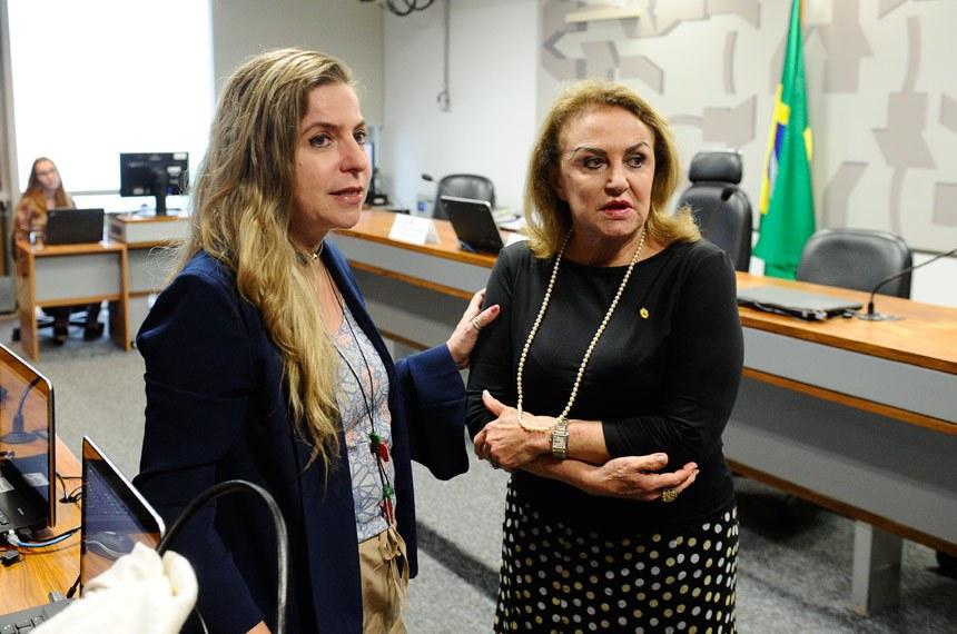Comissão Permanente Mista de Combate à Violência contra a Mulher (CMCVM) - Reunião não realizada por falta de quórum.  (E/D): relatora da CMCVM, deputada Luizianne Lins (PT-CE) ; presidente da CMCVM, deputada Elcione Barbalho (PMDB-PA).  Foto: Marcos Oliveira/Agência Senado
