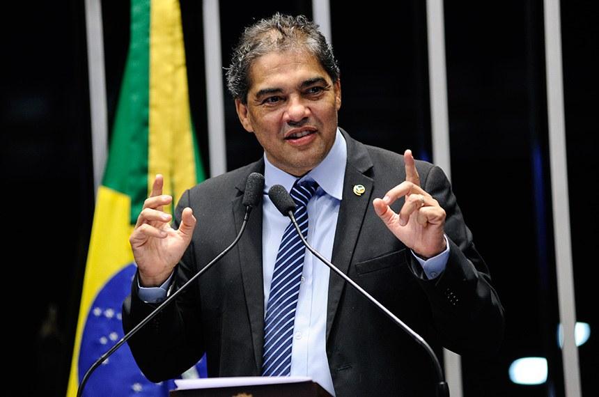 Plenário do Senado Federal durante sessão não deliberativa.   Em discurso, à tribuna, senador Hélio José (Pros-DF).  Foto: Pedro França/Agência Senado