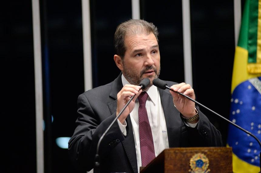 Plenário do Senado Federal durante sessão deliberativa ordinária.   Em discurso, à tribuna, senador Eduardo Lopes (PRB-RJ).  Foto: Jefferson Rudy/Agência Senado