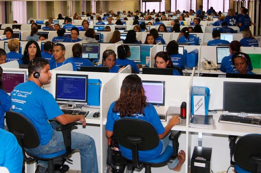 Segmento de telemarketing oferece mais de 700 vagas de emprego no CATe