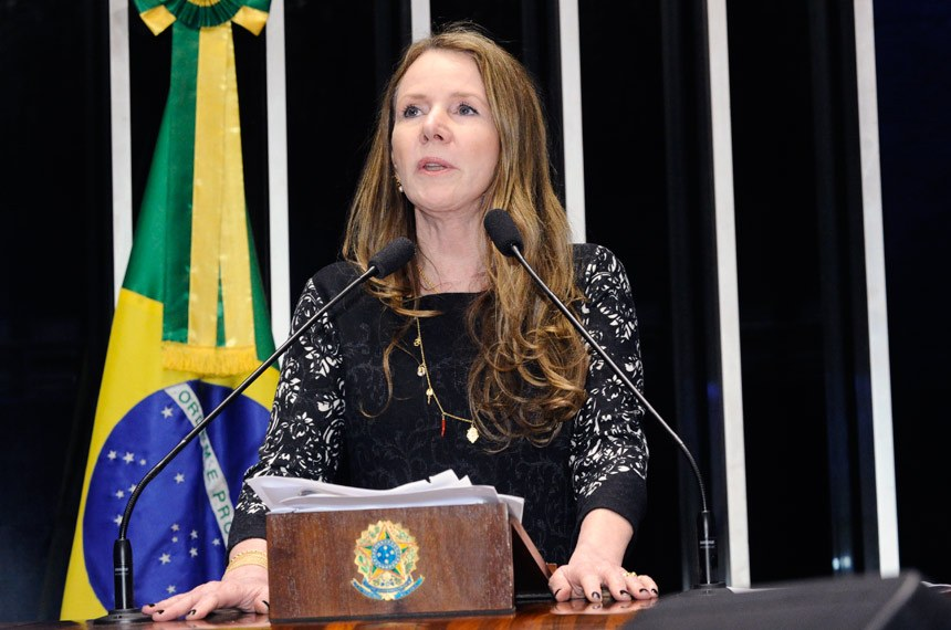 Plenário do Senado Federal durante sessão não deliberativa.   Em discurso, à tribuna, senadora Vanessa Grazziotin (PCdoB-AM).  Foto: Waldemir Barreto/Agência Senado