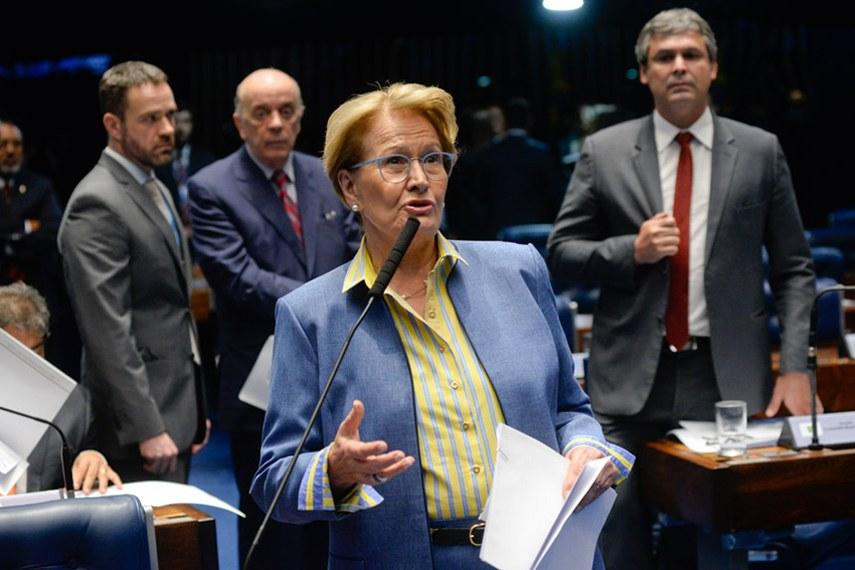Plenário do Senado Federal durante sessão deliberativa ordinária.   À bancada em pronunciamento, senadora Ana Amélia (PP-RS).  Foto: Jefferson Rudy/Agência Senado