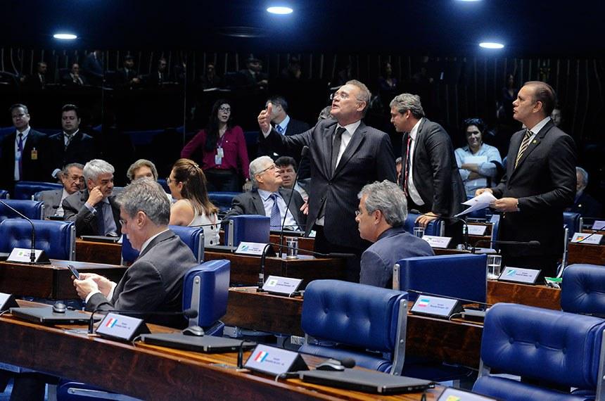 Plenário do Senado Federal durante sessão deliberativa ordinária. Ordem do dia.  Em pronunciamento, à bancada, senador Renan Calheiros (PMDB-AL).  Foto: Waldemir Barreto/Agência Senado