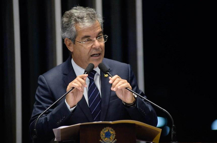 Plenário do Senado Federal durante sessão não deliberativa.   Em discurso, à tribuna, senador Jorge Viana (PT-AC).  Foto: Jefferson Rudy/Agência Senado