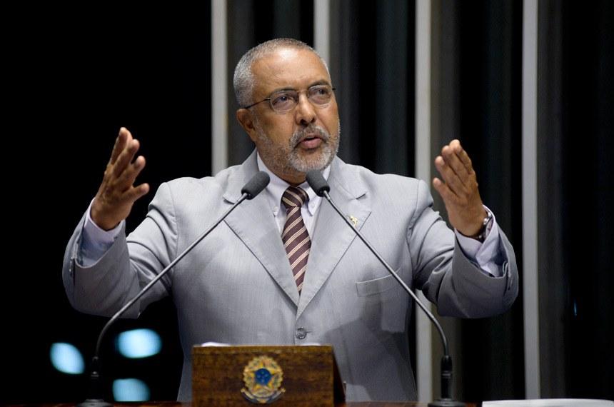 Plenário do Senado Federal durante sessão não deliberativa.   À tribuna em discurso, senador Paulo Paim (PT-RS).  Foto: Jefferson Rudy/Agência Senado