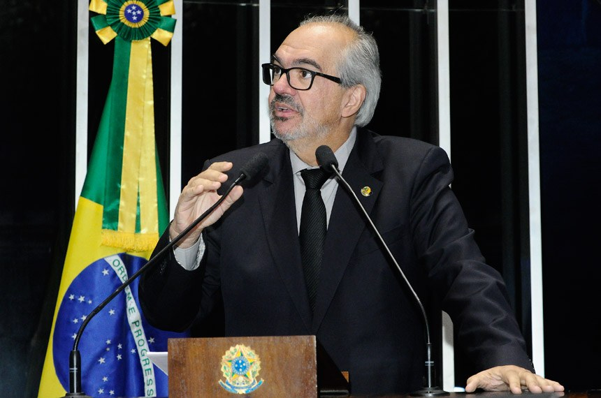 Plenário do Senado Federal durante sessão não deliberativa.   Em discurso, à tribuna, senador Roberto Muniz (PP-BA).  Foto: Waldemir Barreto/Agência Senado