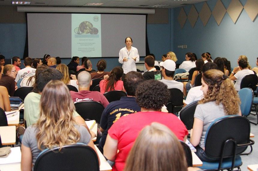 Sala de aula do curso de odontologia na USP.