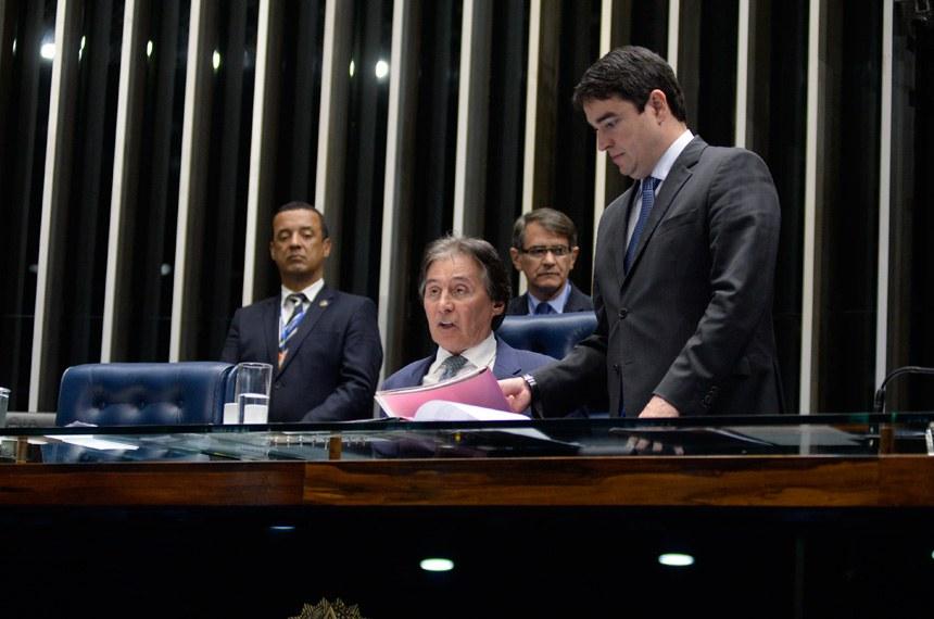 Plenário do Senado Federal durante sessão deliberativa ordinária. Ordem do dia.   À mesa, presidente do Senado, senador Eunício Oliveira (PMDB-CE).  Foto: Jefferson Rudy/Agência Senado