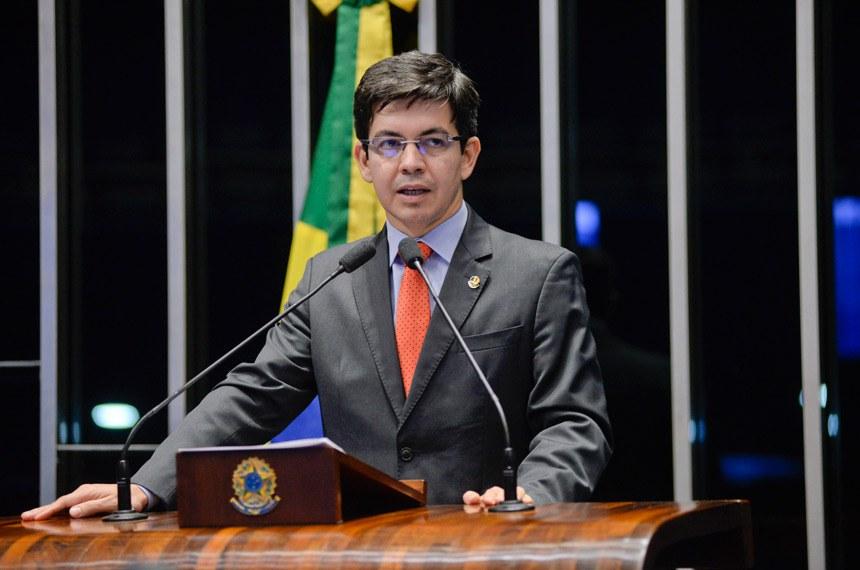 Plenário do Senado Federal durante sessão deliberativa ordinária.   Em discurso, senador Randolfe Rodrigues (Rede-AP).  Foto: Jefferson Rudy/Agência Senado