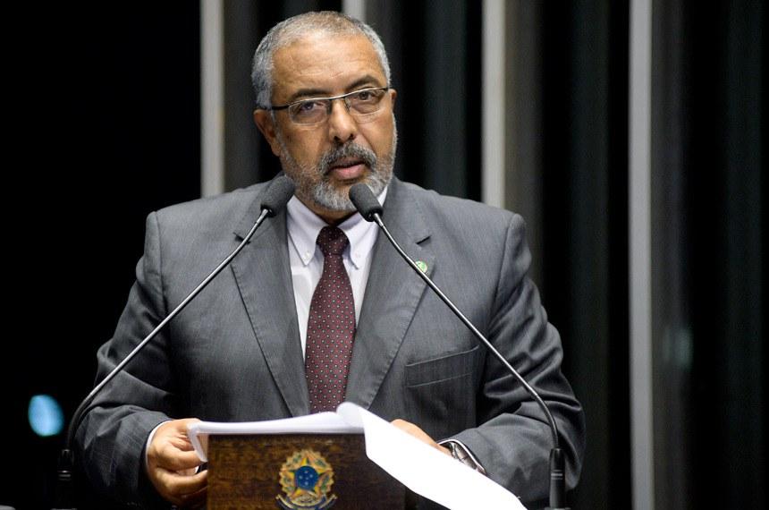 Plenário do Senado Federal durante sessão não deliberativa.   Em discurso, senador Paulo Paim (PT-RS).   Foto: Jefferson Rudy/Agência Senado