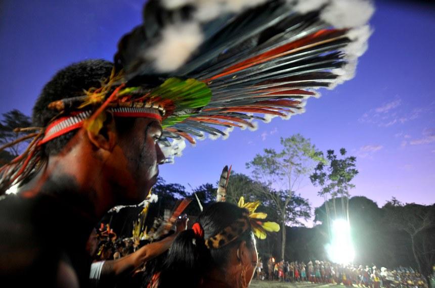 Rio de Janeiro - Índios de várias etnias se apresentam na aldeia 'Kari Oca', evento paralelo à Rio+20, na Colônia Juliano Moreira, em Jacarepaguá.