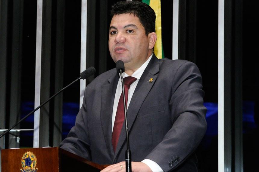 Plenário do Senado Federal durante sessão deliberativa ordinária.   Em discurso, à tribuna, senador Cidinho Santos (PR-MT).  Foto: Waldemir Barreto/Agência Senado