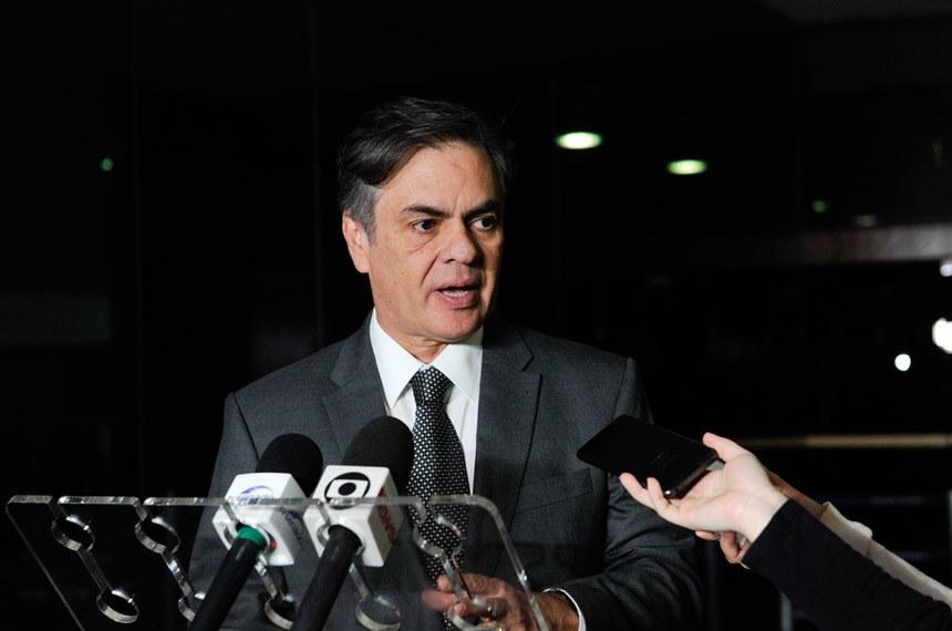 Presidente do Senado em exercício, senador Cássio Cunha Lima (PSDB-PB), concede entrevista.  Foto: Jane de Araújo/Agência Senado