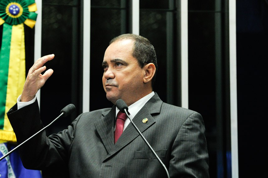 Plenário do Senado Federal durante sessão não deliberativa.   À tribuna em discurso, senador Vicentinho Alves (PR-TO).  Foto: Geraldo Magela/Agência Senado