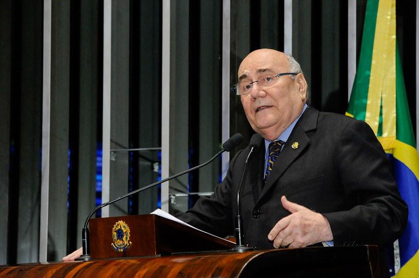 Plenário do Senado Federal durante sessão deliberativa ordinária.   Em discurso, à tribuna, senador Flexa Ribeiro (PSDB-PA).  Foto: Waldemir Barreto/Agência Senado