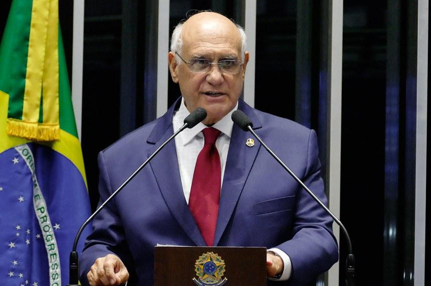 Plenário do Senado Federal durante sessão deliberativa ordinária.   Em pronunciamento, senador Lasier Martins (PSD-RS) á tribuna.   Foto: Roque de Sá/Agência Senado