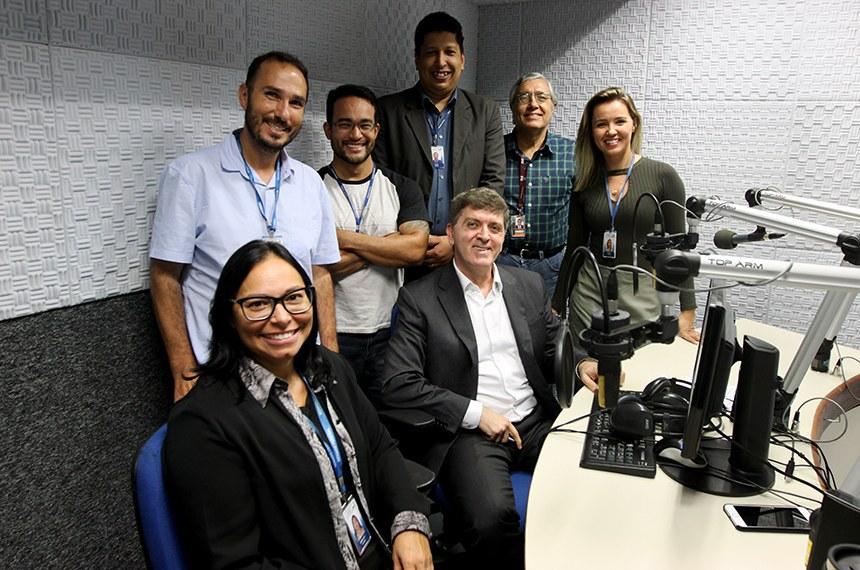 Equipe da Rádio Senado responsável pela 'Voz do Brasil'