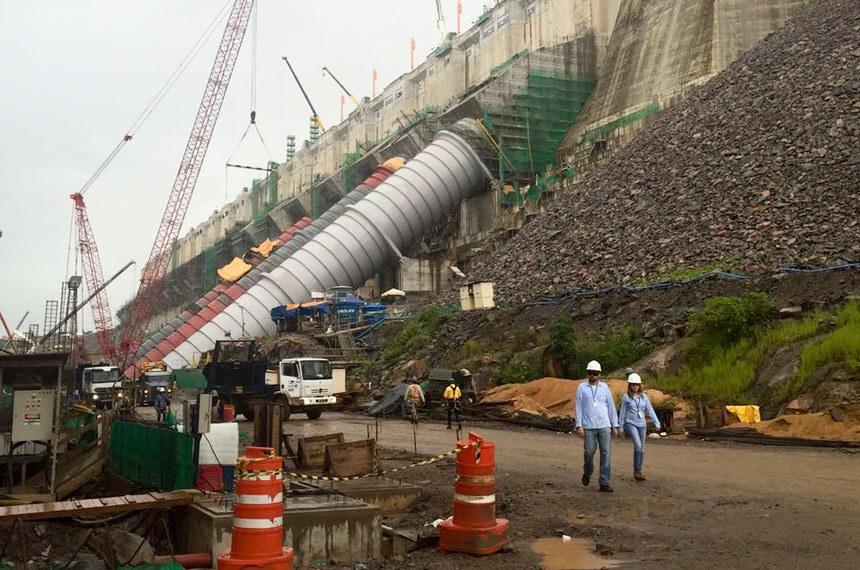 Visita dos senadores a usina de Belo Monte.