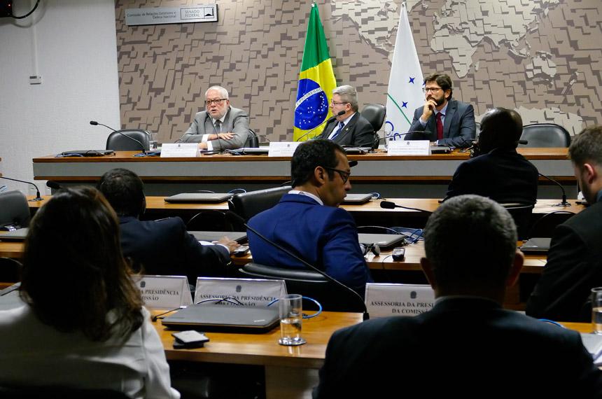 708467576674d Brasil precisa aproveitar disputas no comércio internacional, aponta debate  — Senado Notícias