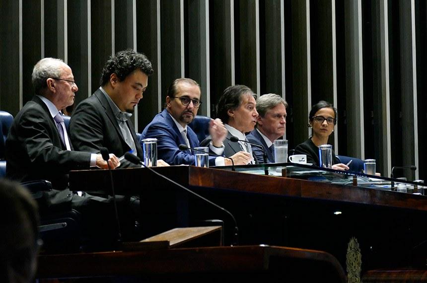 Plenário do Senado Federal durante sessão de debates temáticos destinada debater o tema