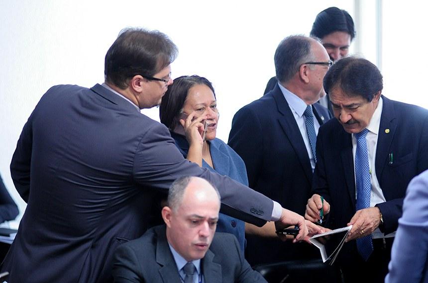 Senadora Fátima Bezerra (PT-RN), presidente da Comissão de Desenvolvimento Regional (CDR), informou a nova data da audiência pública com o ministro da Integração Nacional, Antônio de Pádua Andrade