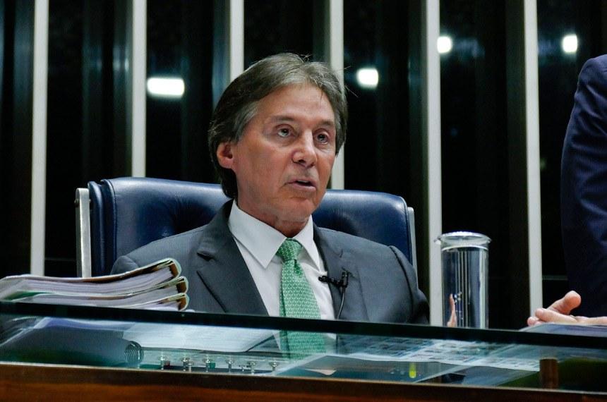 Plenário do Senado Federal durante sessão deliberativa ordinária.   À mesa, presidente do Senado, senador Eunício Oliveira (PMDB-CE) conduz sessão.  Foto: Roque de Sá/Agência Senado