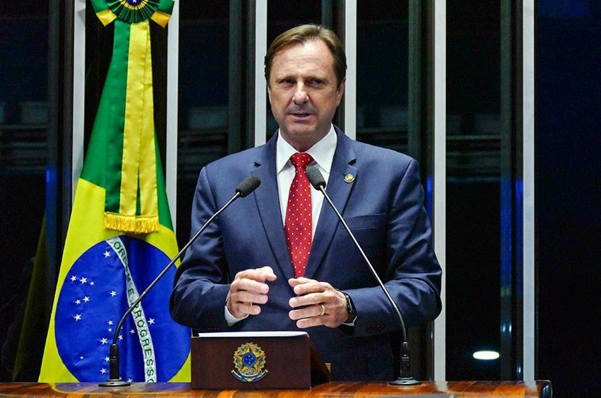 Plenário do Senado Federal durante sessão deliberativa ordinária.   Em discurso, senador Acir Gurgacz (PDT-RO).   Foto: Roque de Sá/Agência Senado