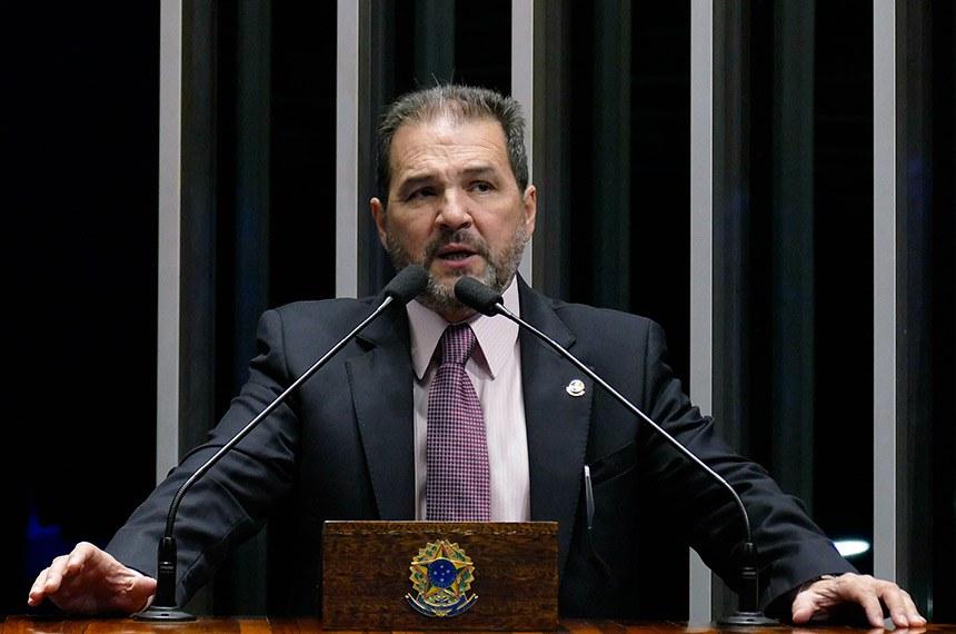 Plenário do Senado Federal durante sessão deliberativa ordinária.   Em pronunciamento, senador Eduardo Lopes (PRB-RJ).   Foto: Roque de Sá/Agência Senado