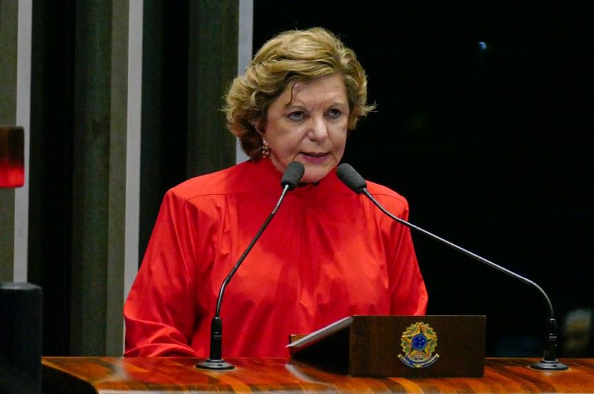 Plenário do Senado Federal durante sessão deliberativa ordinária.   Em discurso, à tribuna, senadora Lúcia Vânia (PSB-GO).  Foto: Roque de Sá/Agência Senado