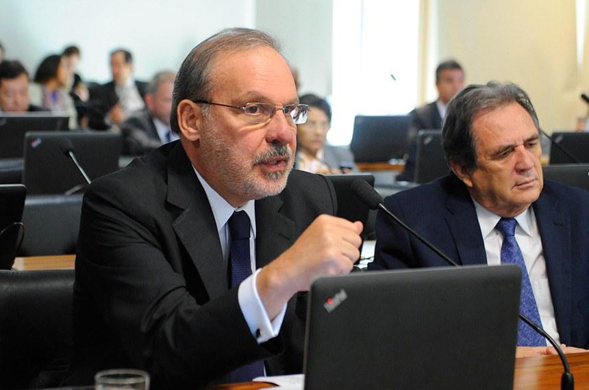 Senador Armando Monteiro (PTB-PE), relator da proposta
