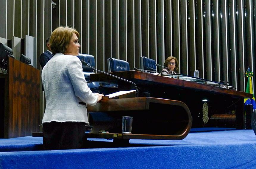 Plenário do Senado Federal durante sessão deliberativa ordinária.   À mesa, senadora Lídice da Mata (PSB-BA).  Em discurso, à tribuna, senadora Ângela Portela (PDT-RR).  Foto: Roque de Sá/Agência Senado