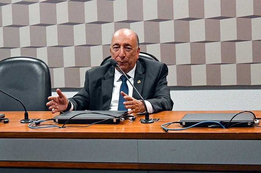 CCC - Comissão Temporária para Reforma do Código Comercial (Art. 374-RISF) realiza reunião deliberativa para apreciação de requerimento.   À mesa, relator da CCC, senador Pedro Chaves (PRB-MS).  Foto: Waldemir Barreto/Agência Senado