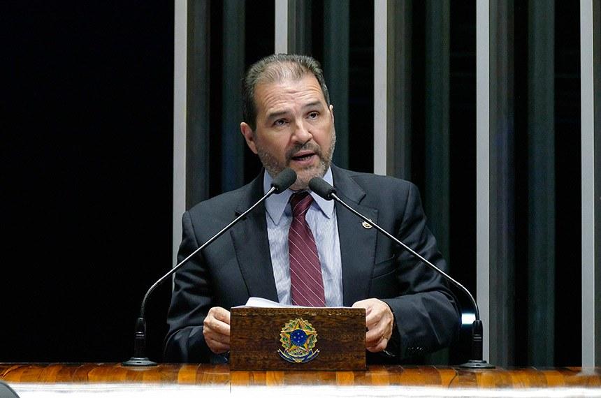 Plenário do Senado Federal durante sessão deliberativa ordinária.   Em discurso, à tribuna, senador Eduardo Lopes (PRB-RJ).  Foto: Roque de Sá/Agência Senado