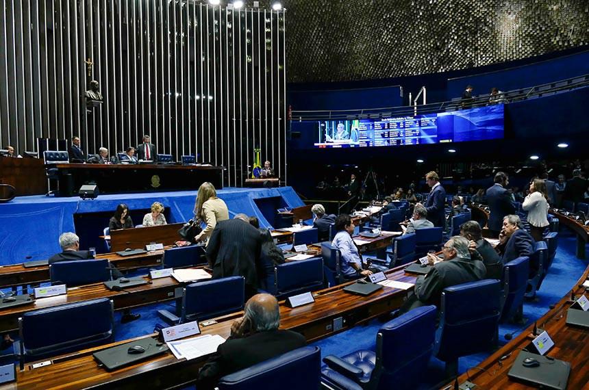 Sessão do Plenário do Senado no dia 16 de maio, quando foi aprovada a proposta que originou a lei