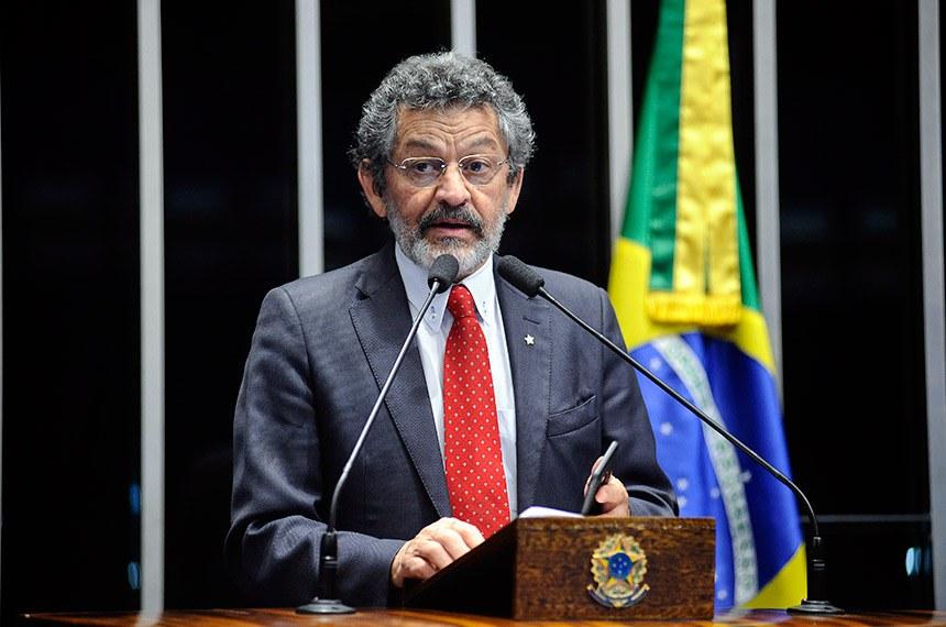 Plenário do Senado Federal durante sessão deliberativa ordinária.   Em discurso, à tribuna, senador Paulo Rocha (PT-PA).  Foto: Pedro França/Agência Senado