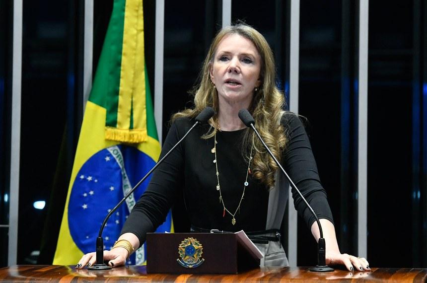 Plenário do Senado Federal durante sessão deliberativa extraordinária.   Em discurso, senadora Vanessa Grazziotin (PCdoB-AM).  Foto: Marcos Oliveira/Agência Senado