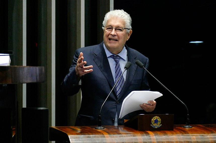 Plenário do Senado Federal durante sessão não deliberativa.   À tribuna em discurso, senador Roberto Requião (MDB-PR).  Foto: Roque de Sá/Agência Senado