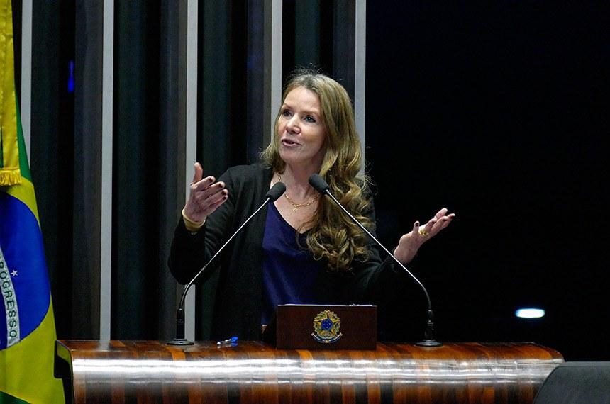 Plenário do Senado Federal durante sessão não deliberativa.   Em discurso, à tribuna, senadora Vanessa Grazziotin (PCdoB-AM).  Foto: Roque de Sá/Agência Senado