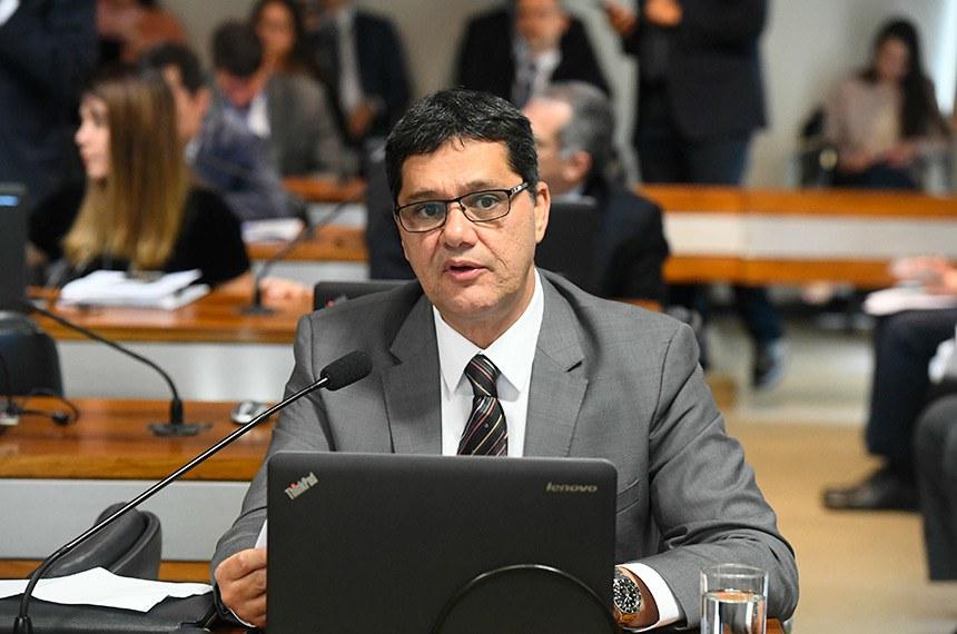 Para o relator, senador Ricardo Ferraço (PSDB-ES), os contratos de longo prazo são benéficos para a economia, já que trazem segurança jurídica e estimulam o investimento