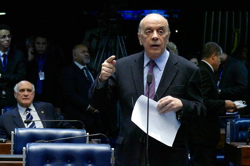 Plenário do Senado Federal durante sessão deliberativa ordinária.   À bancada em pronunciamento, senador José Serra (PSDB-SP).  Foto: Roque de Sá/Agência Senado
