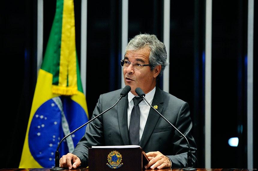 Plenário do Senado Federal durante sessão não deliberativa.   Em discurso, à tribuna, senador Jorge Viana (PT-AC).  Foto: Edilson Rodrigues/Agência Senado