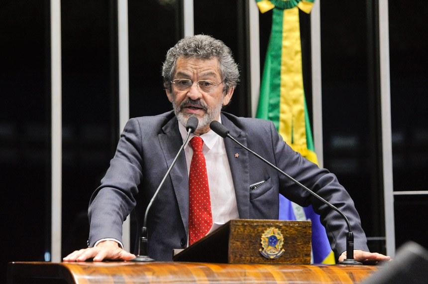 Plenário do Senado Federal durante sessão deliberativa ordinária.   Em discurso, à tribuna, senador Paulo Rocha (PT-PA).  Foto: Moreira Mariz/Agência Senado