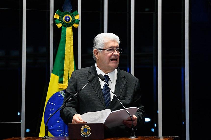 Plenário do Senado Federal durante sessão deliberativa ordinária.   À tribuna em discurso, senador Roberto Requião (MDB-PR).  Foto: Marcos Oliveira/Agência Senado