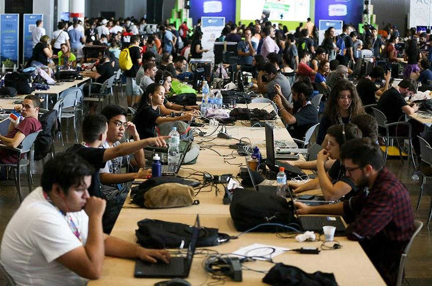15/6/2017-Brasília- DF, Brasil-  Profissionais e entusiastas da tecnologia participam da Campus Party nesta quinta-feira (15), em Brasília. Foto: Marcelo Camargo / Agência Brasil